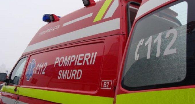 O fată de 13 ani, din Botoșani, în stare critică. S-a prăbușit de la etajul al patrulea al unui bloc!